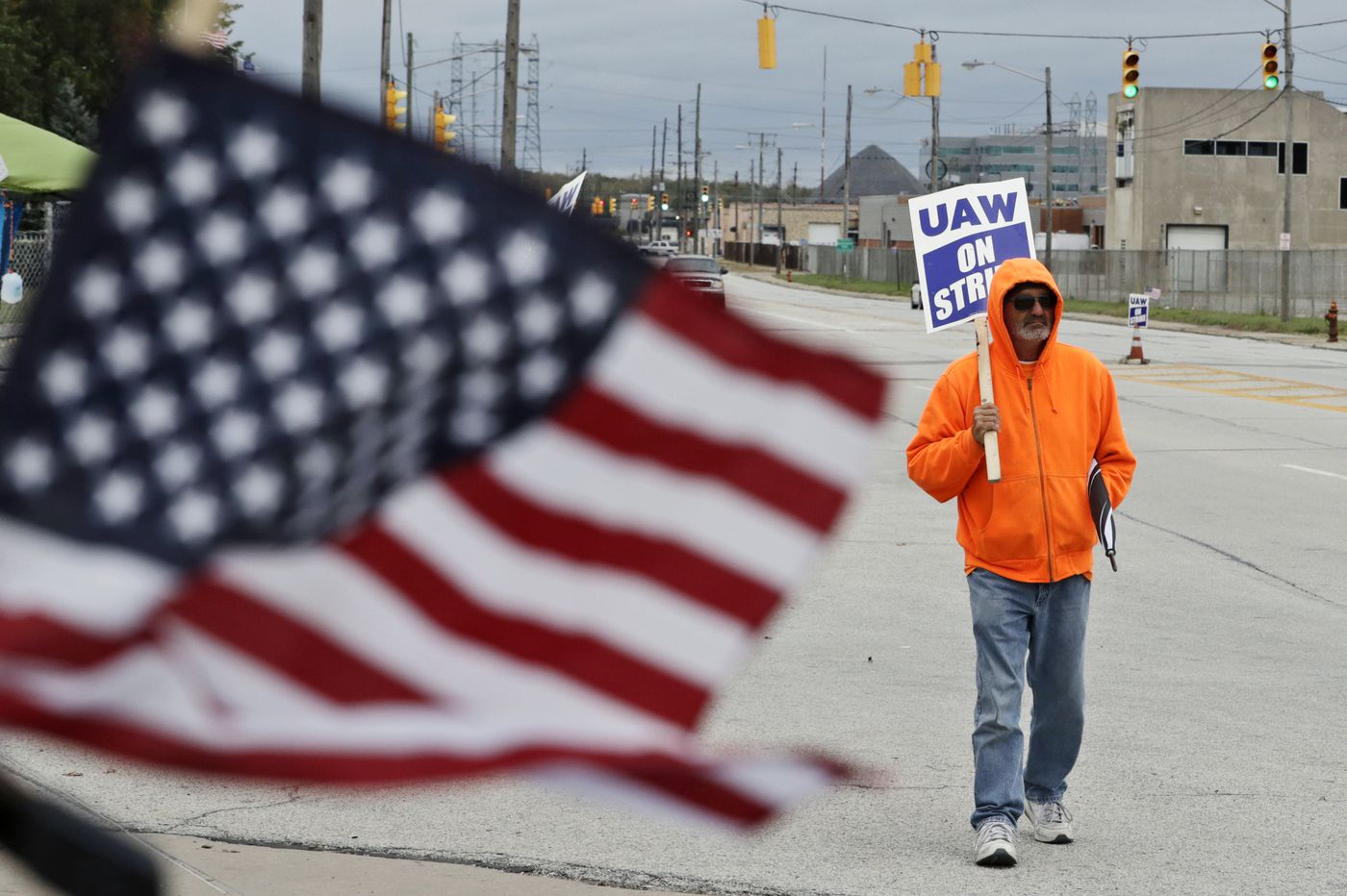 GM strike: Tentative deal with union paves way for crucial strike vote