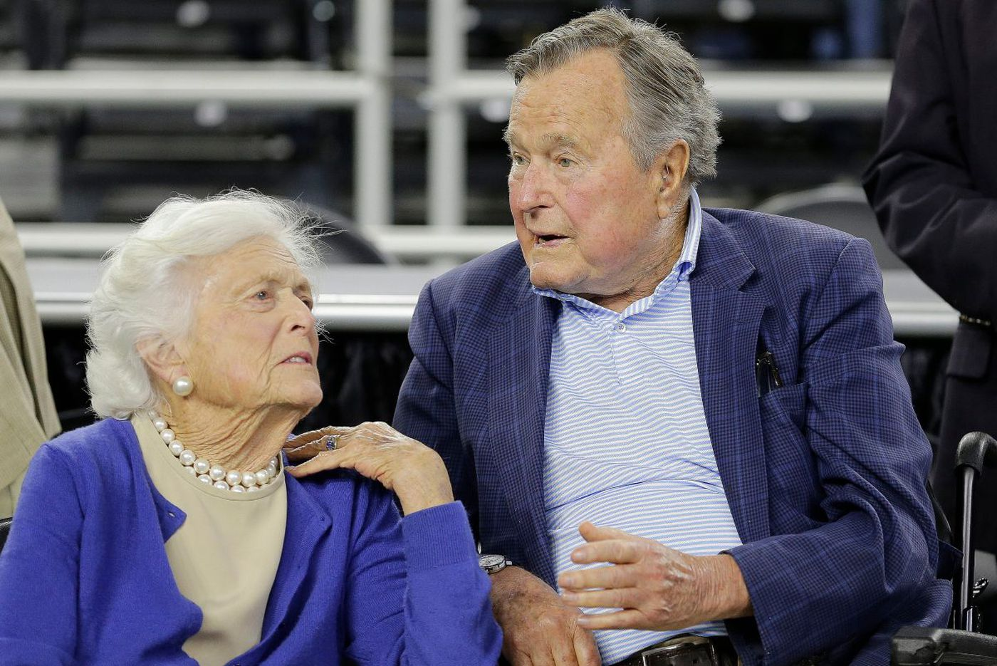 Barbara Bush's end-of-life decision stirs debate over 'comfort care'