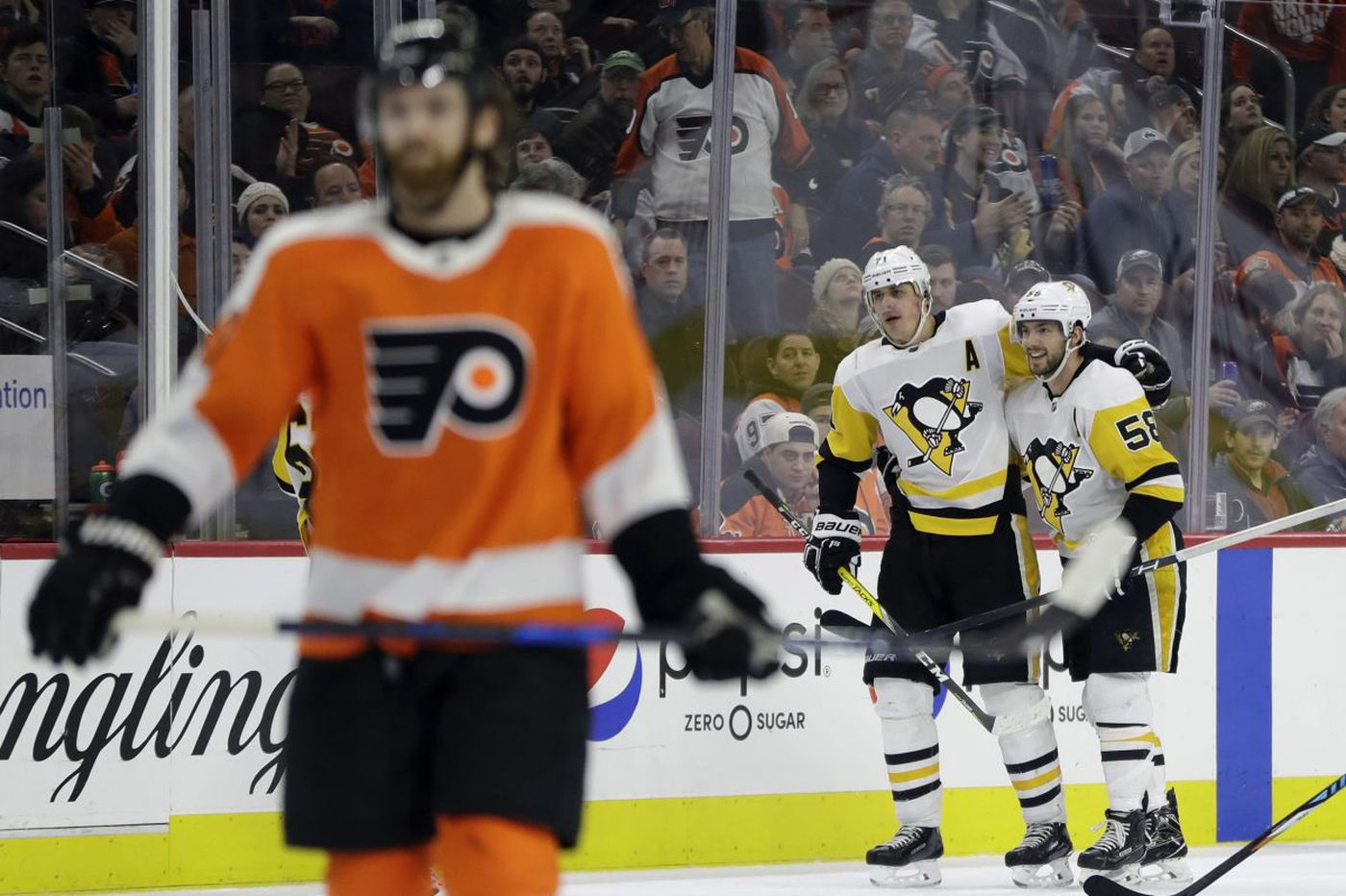 Observations from Flyers' latest loss: Why do they struggle at home?