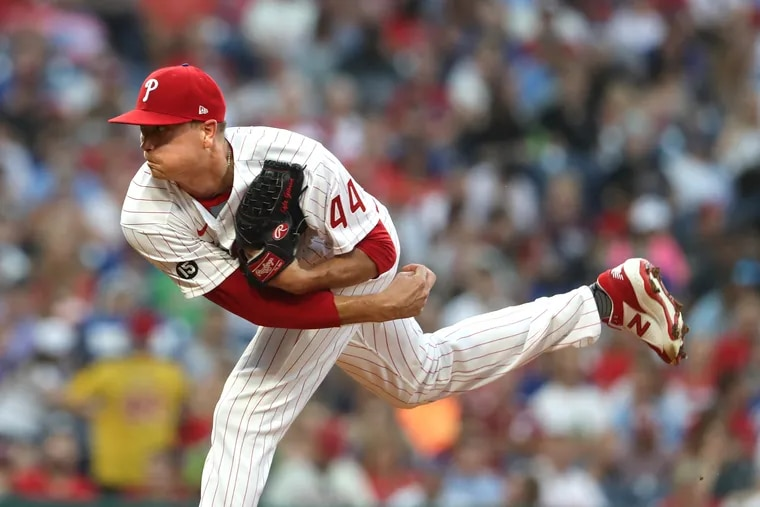 Kyle Gibson pitches against the Mets on Aug. 6.