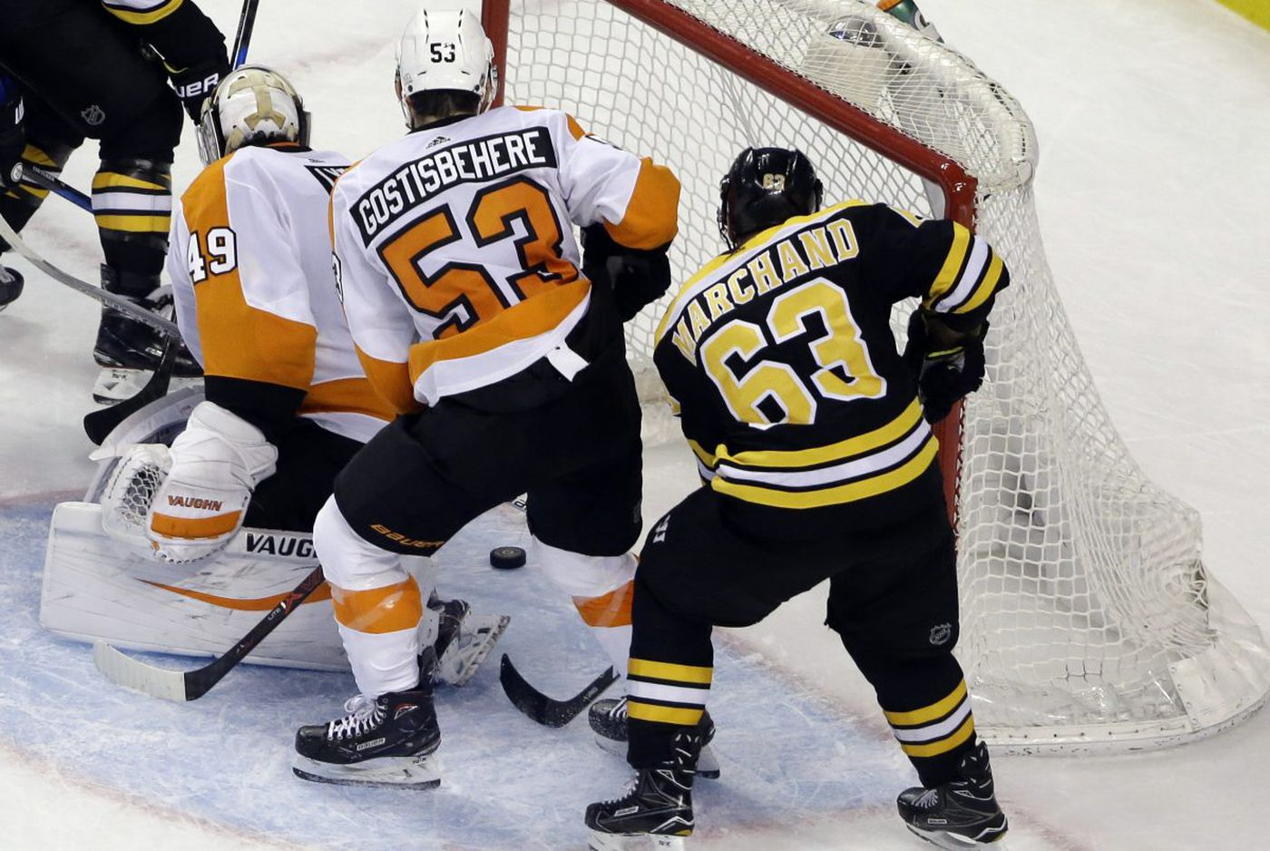 Flyers lose to Bruins as Brad Marchand's last-minute goal beats Alex Lyon