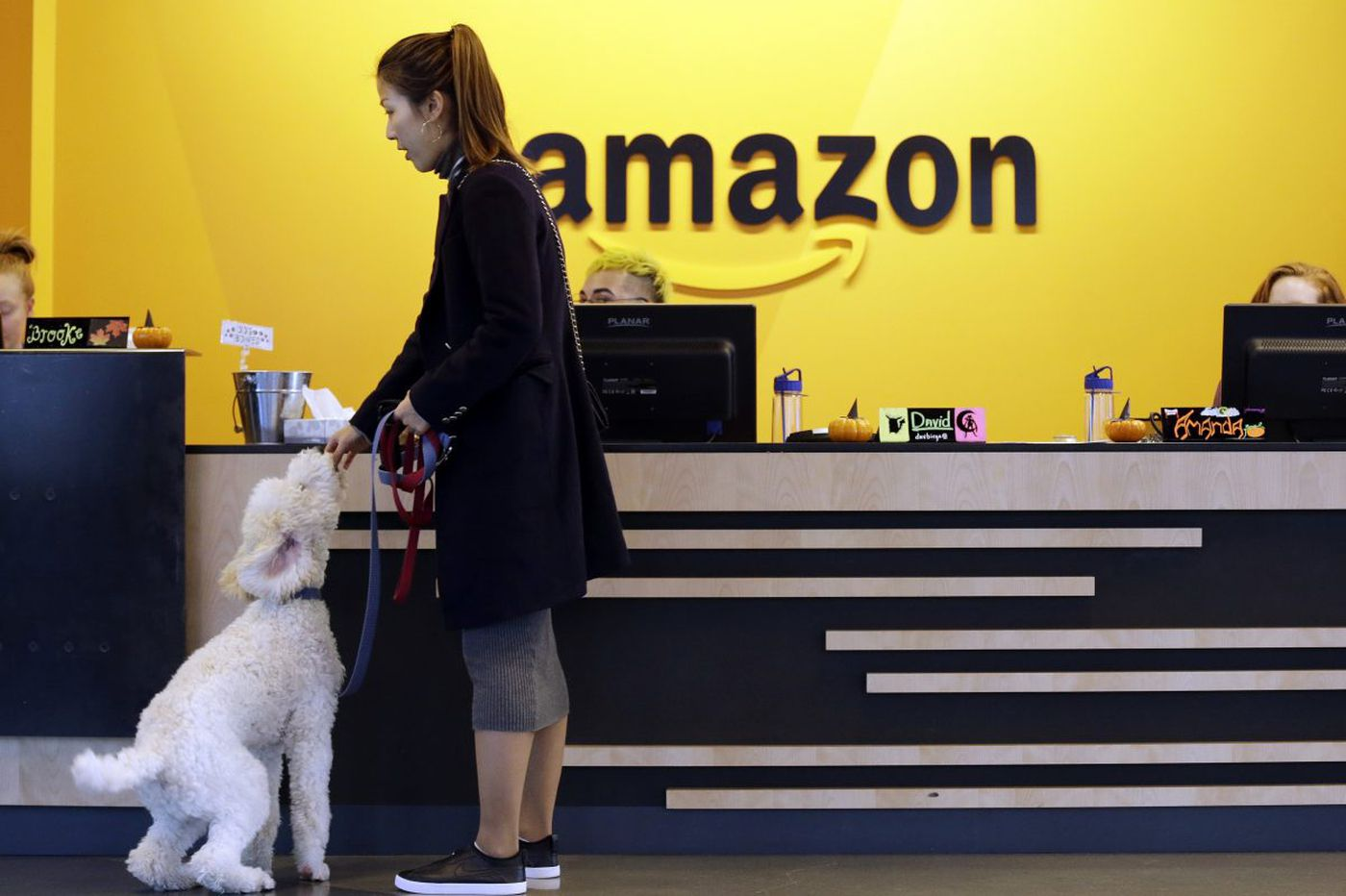 Facing opposition, Amazon reconsiders N.Y. headquarters site, two officials say