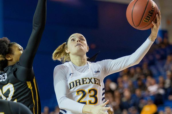 Women's City Six: Bailey Greenberg scores 31, leads Drexel in opening-night win over Quinnipiac