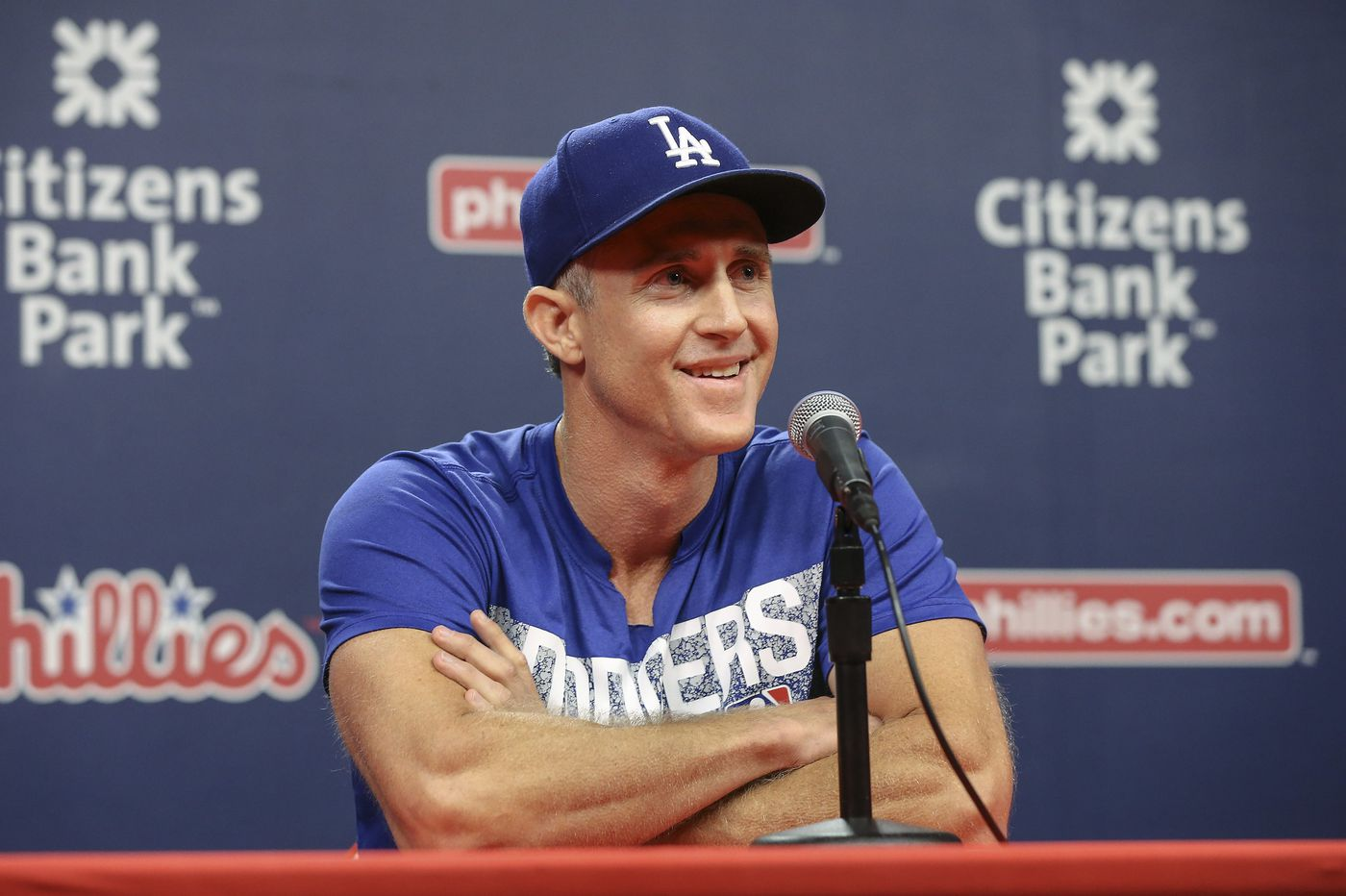 Chase Utley will start for Dodgers on Monday in return to Philly
