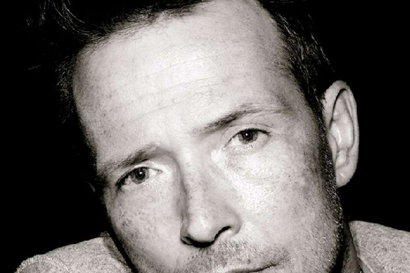Sideshow: Scott Weiland's wife: Kids 'lost their father years ago'