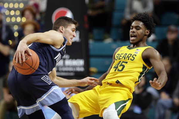 Villanova falls in final of Myrtle Beach Invitational, 87-78, to Baylor