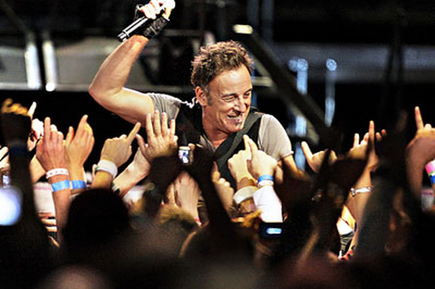 Springsteen at the Spectrum: No retreat, no surrender