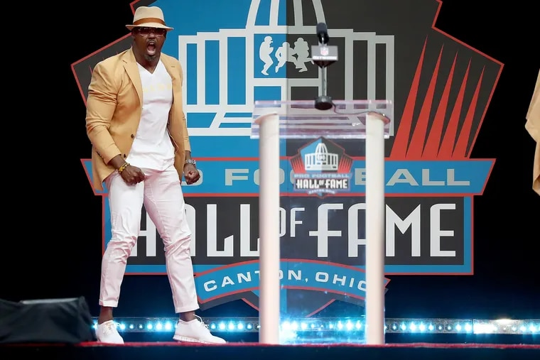 Brian Dawkins yells during the 2018 NFL Hall of Fame Enshrinement Ceremony in Canton, OH on August 4, 2018. Former Eagles Brian Dawkins is one of the inductees.