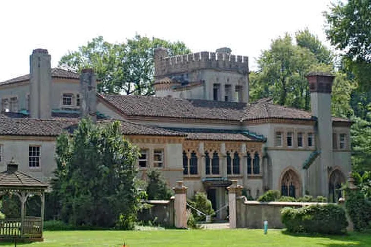 The razing of La Ronda , the Lower Merion mansion designed by famed architect Addison Mizner, could begin as early as today, despite an outcry from preservationists.