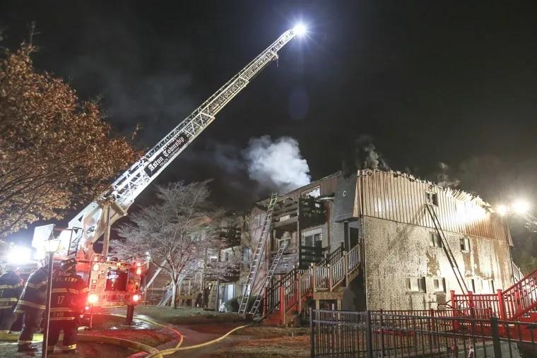 Hill Top Condominium Fire in Brookhaven, Delaware County, Tuesday, December 26, 2017.   STEVEN M. FALK  / Staff Photographer