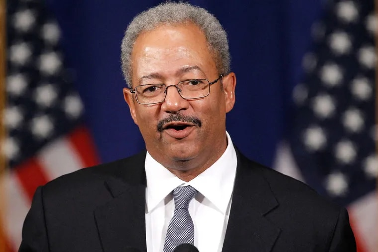 PhillyClout: A mysterious new website called thefattahcase.com, claims to be run by a dozen former Fattah staffers - all of whom insist on anonymity.