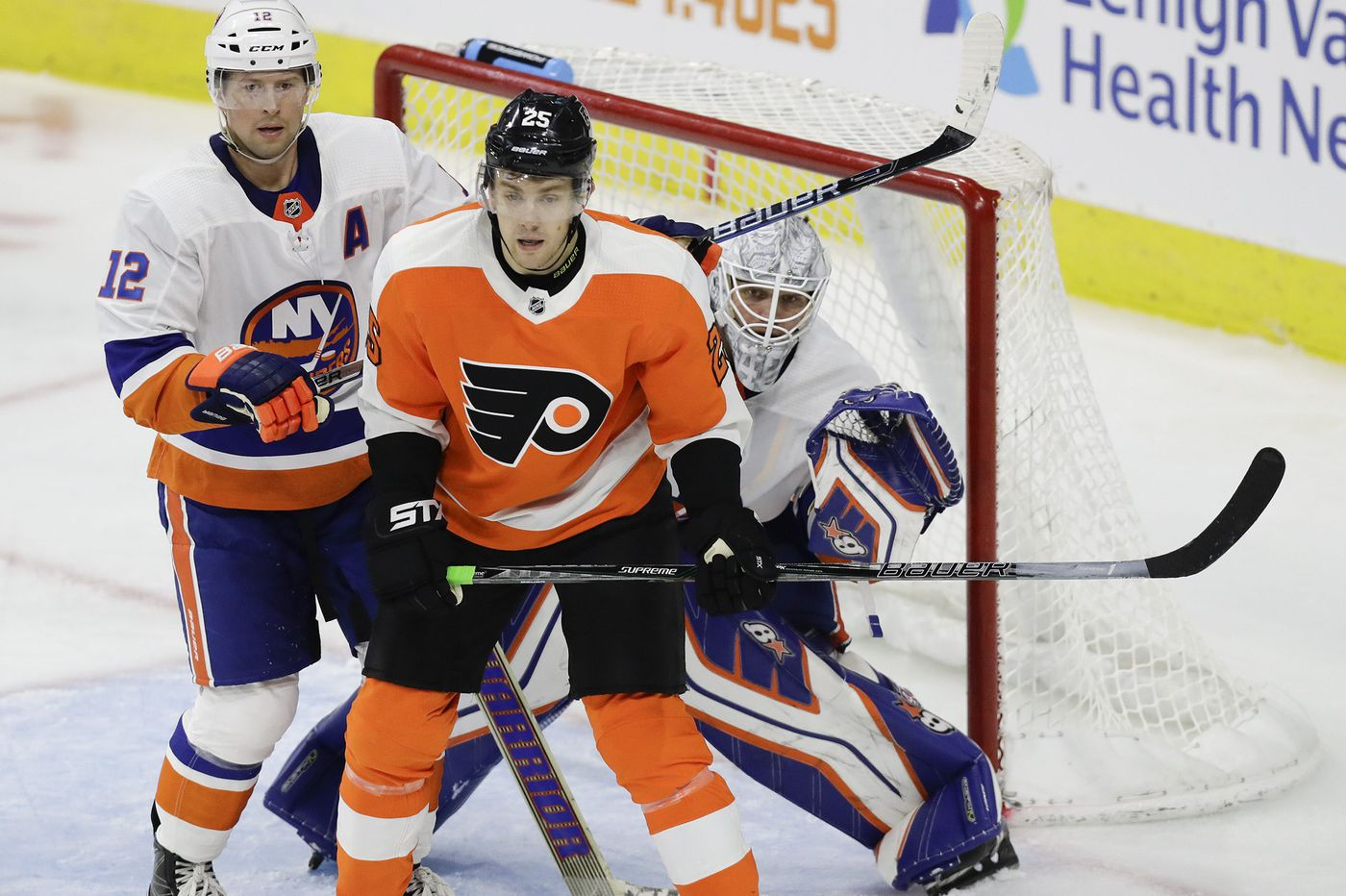 With James van Riemsdyk in the fold, Flyers finally have breadth of powerful forwards