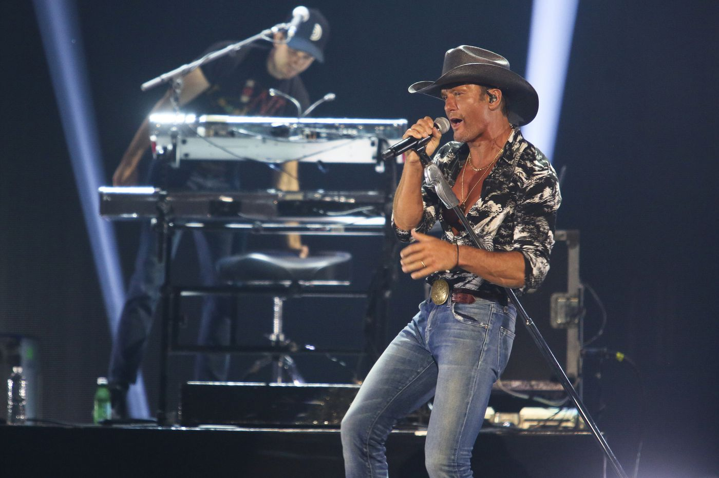 Country stars Tim McGraw and Luke Combs will play Citizens Bank Park