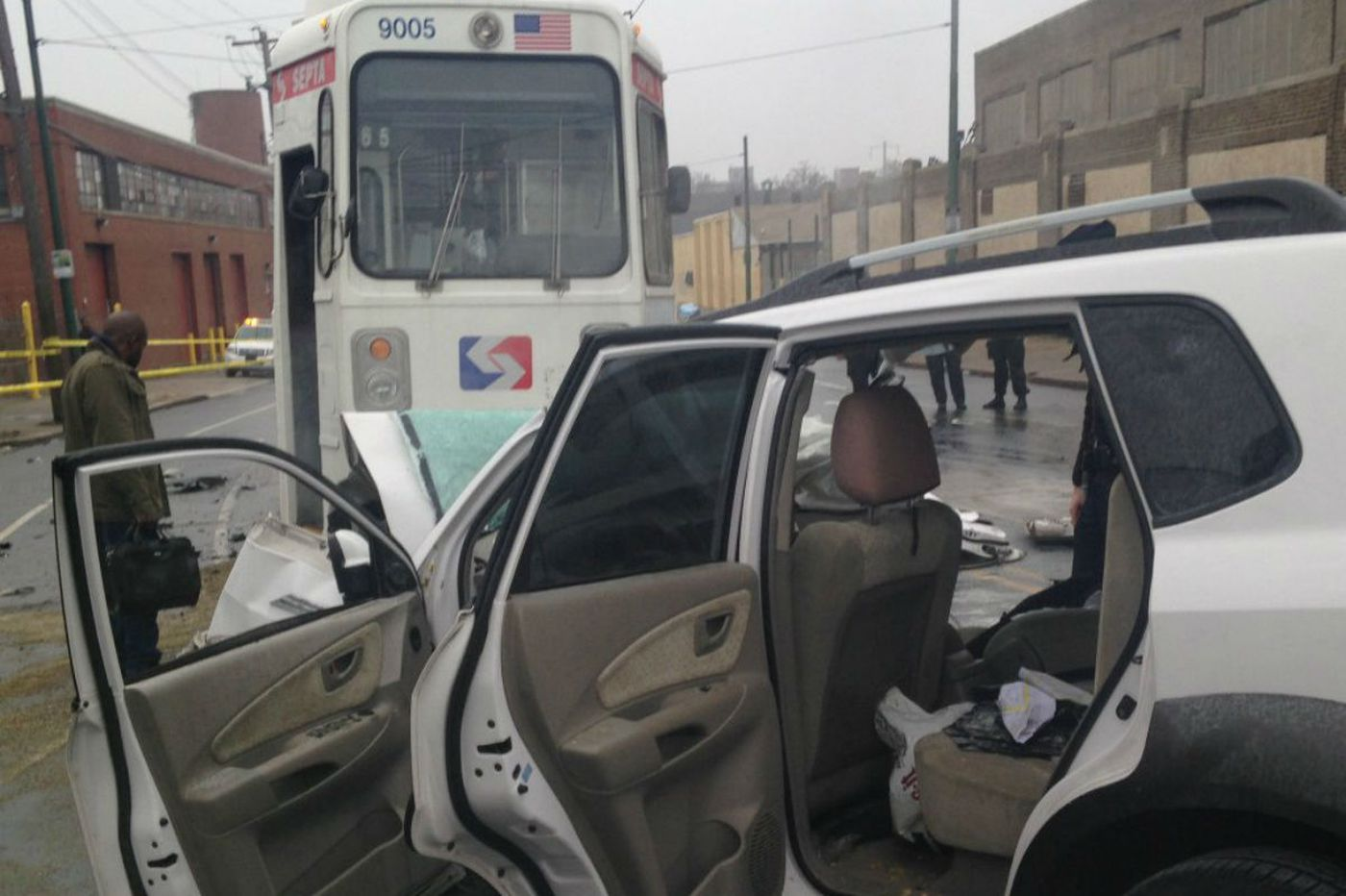 30 hurt in Southwest Phila. trolley crash
