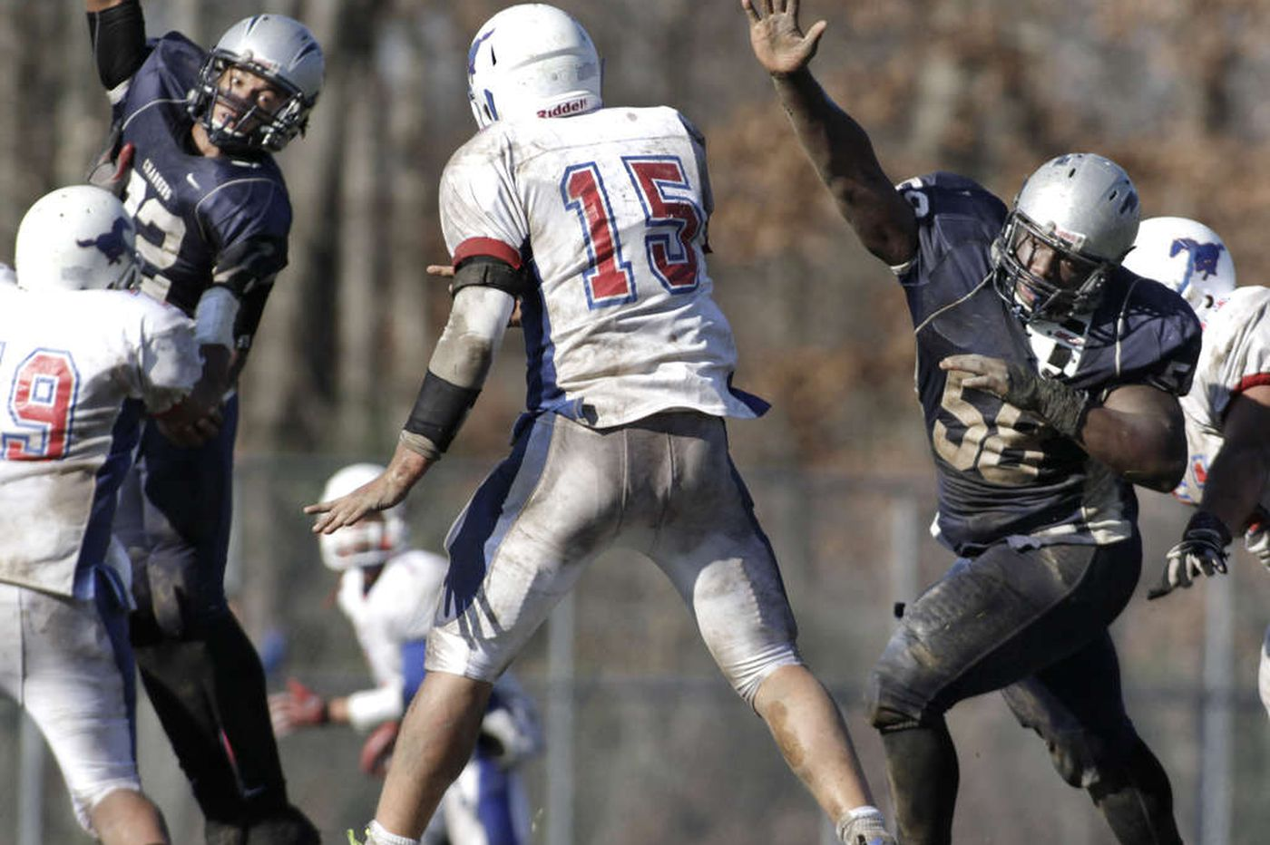 Smothering defenses carried 2 unbeatens