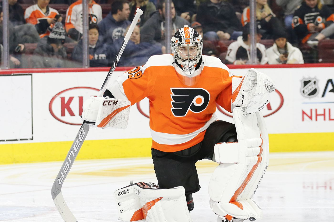 Flyers beat Canadiens behind strong showings from Carter Hart, Nolan Patrick