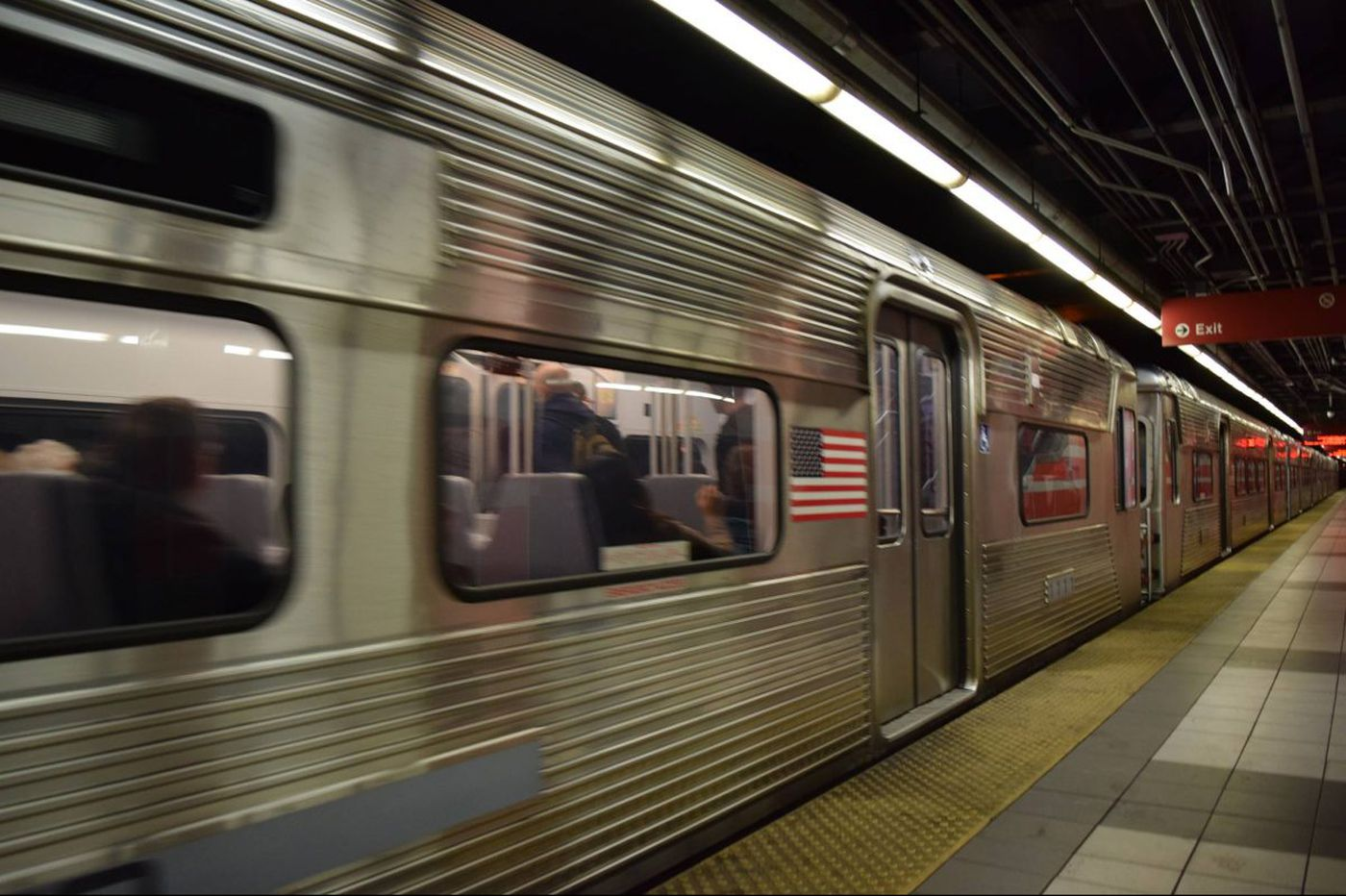 Smoke on PATCO train causes delay in Center City
