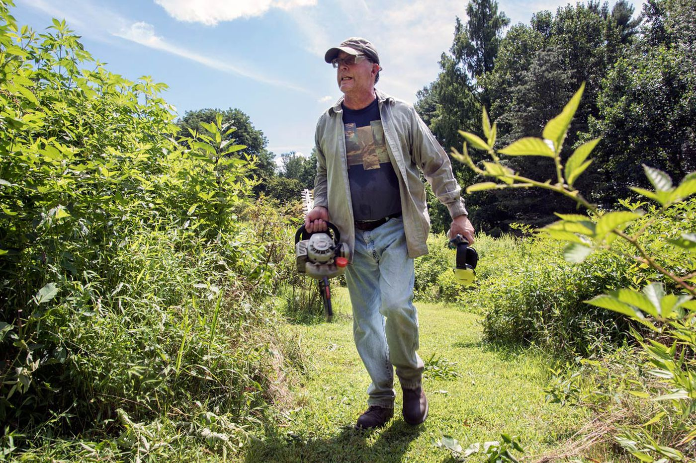 At campus arboretums, learning never grows old