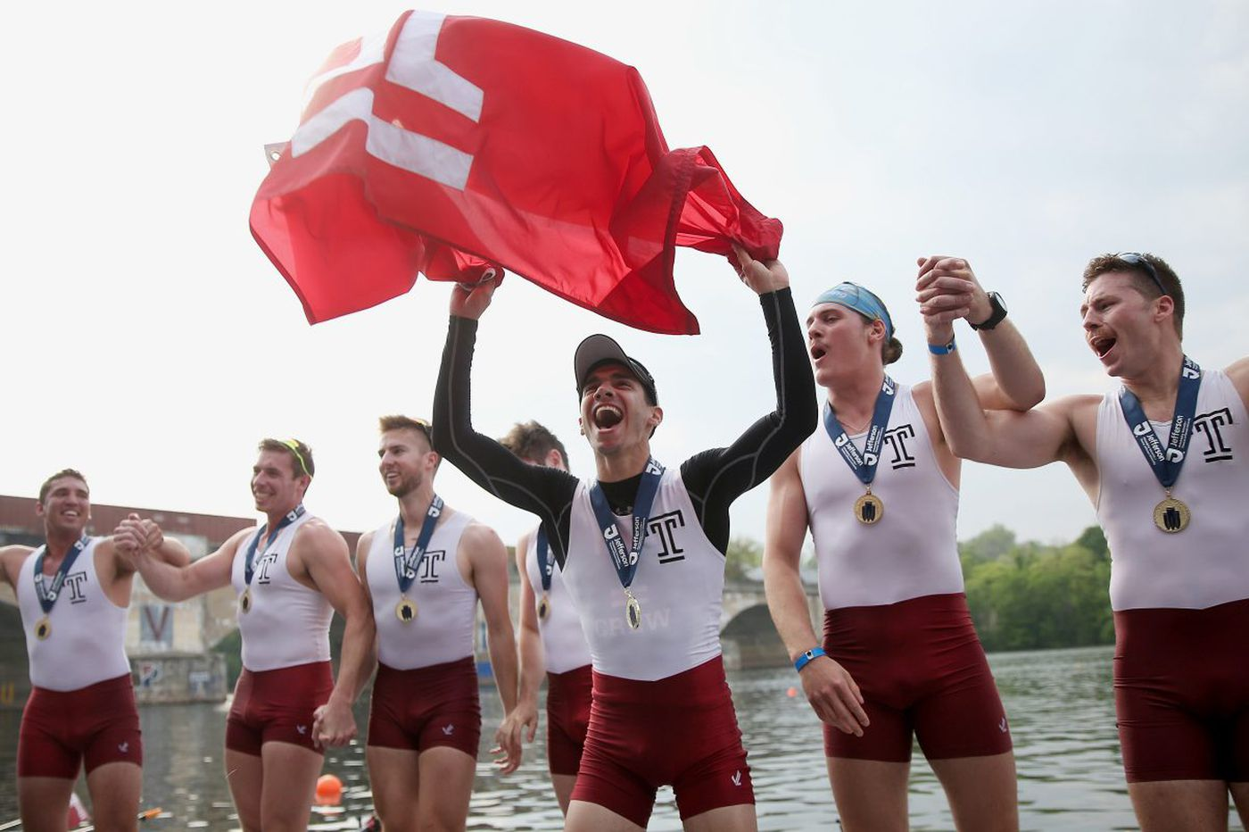 Temple, with a little help, wins men's varsity eight race at Dad Vail Regatta