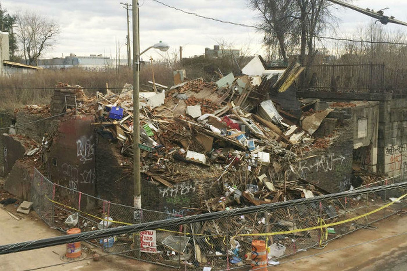 Three buildings collapsed on Saturday, weekly tally at 6