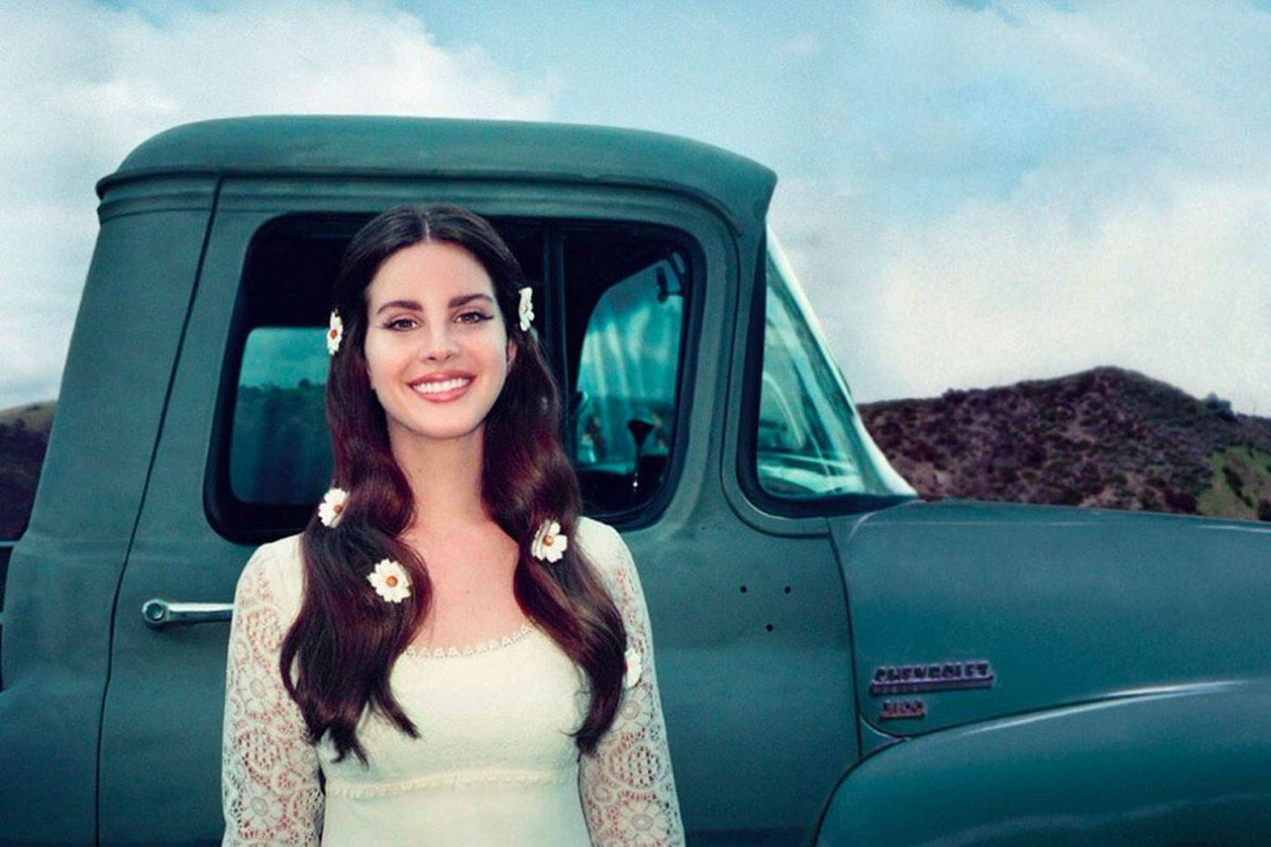Lana Del Rey follows the Eagles on stage in South Philly: 'I heard your team won tonight'