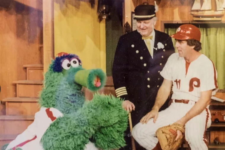 Captain Noah in the 1970s, with his phurry Phanatic pal and longtime Phillie Tim McCarver.