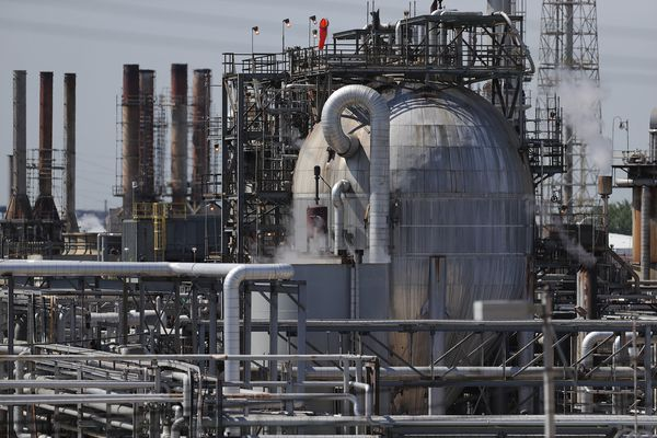 Hilco's $240 million bid for South Philly refinery wasn't the highest offer, aggrieved creditors say