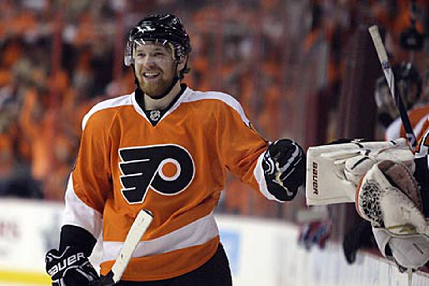 Flyers forward Giroux steps up his game