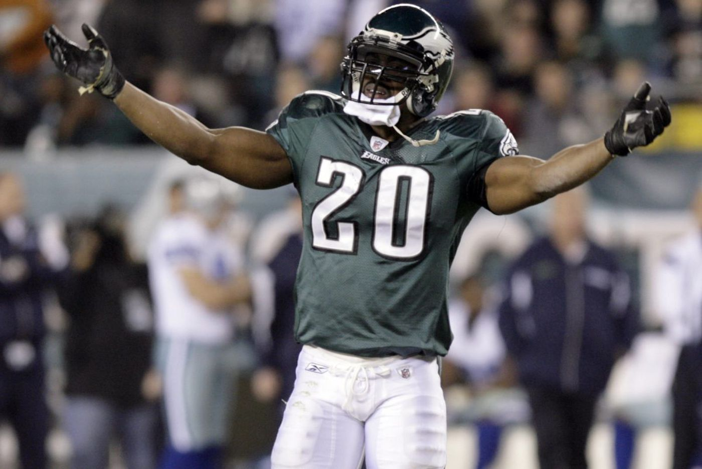 Brian Dawkins, Terrell Owens are Hall of Fame finalists once again