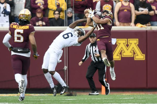 Penn State's late comeback falls short, and its undefeated season ends in 31-26 loss to Minnesota