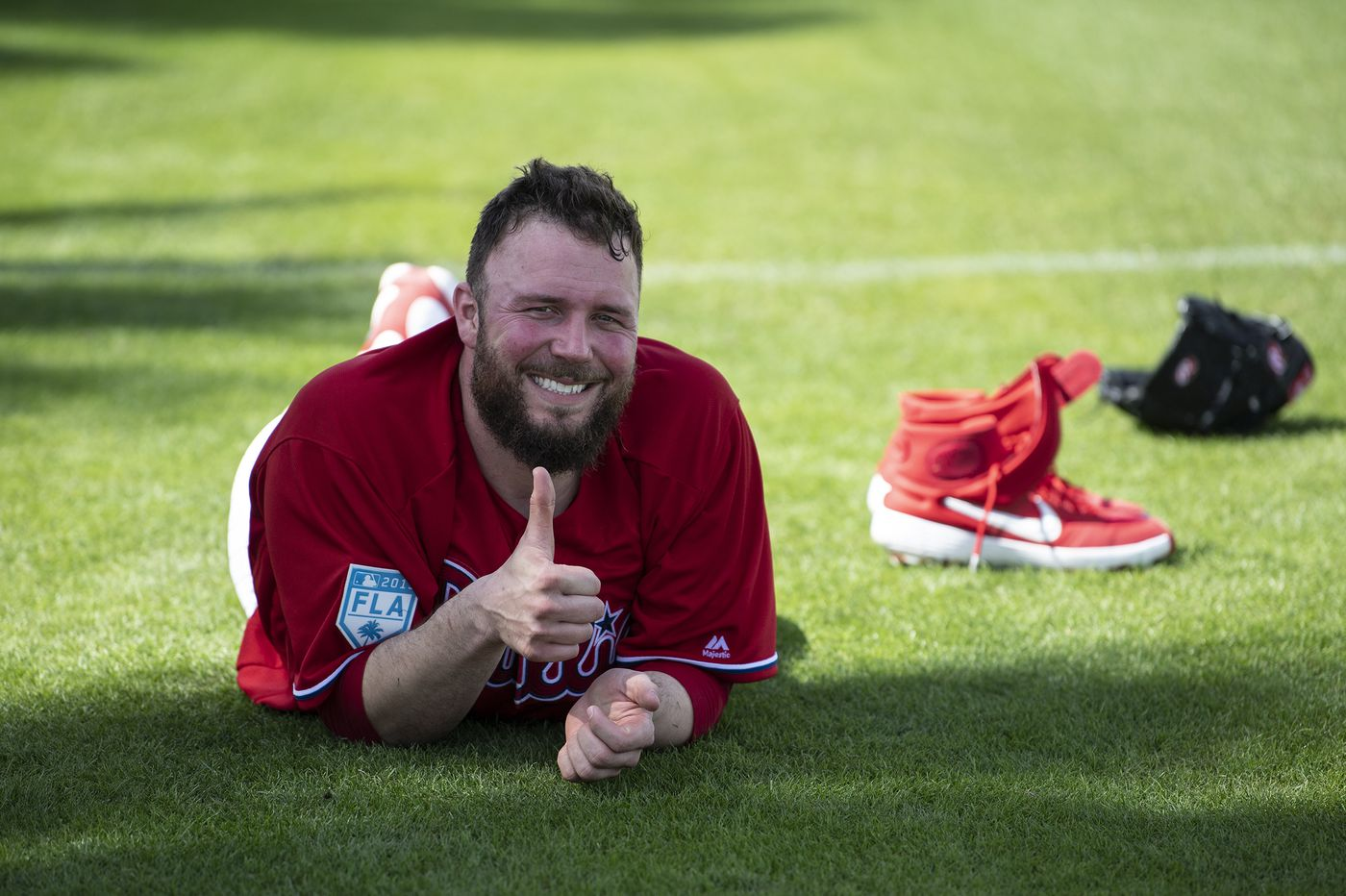 Phillies agree to terms with reliever Tommy Hunter