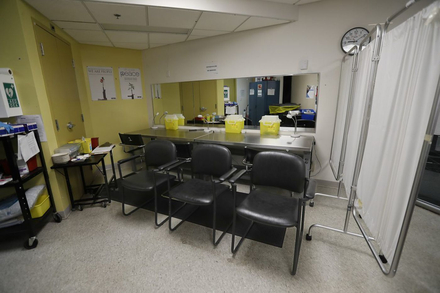 """You'll probably never notice them."" What Toronto doctors have to say about safe injection sites 