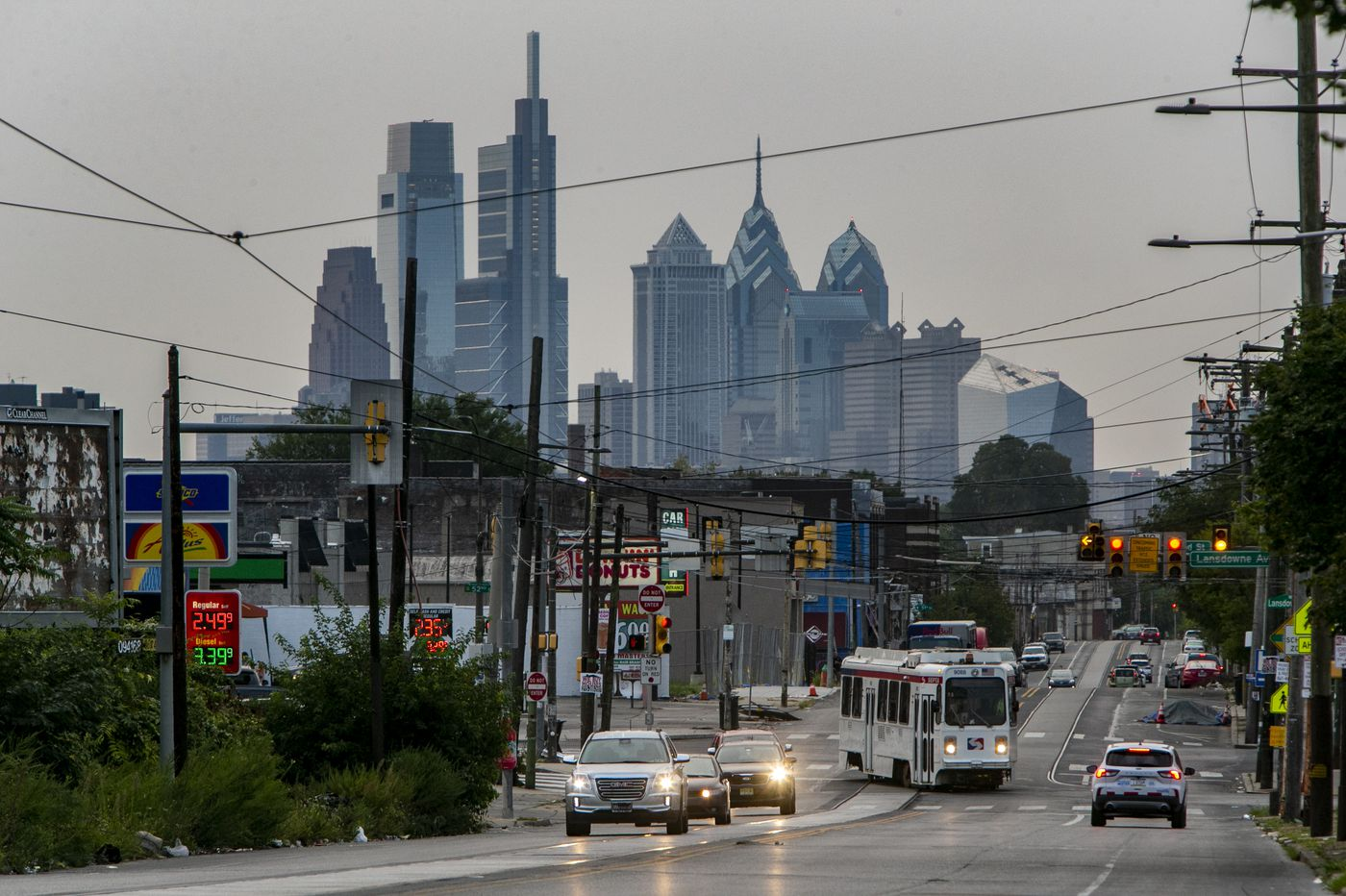 What's open and closed in the Philly area on New Year's Day 2021: Grocery stores, retail, garbage pickup and more