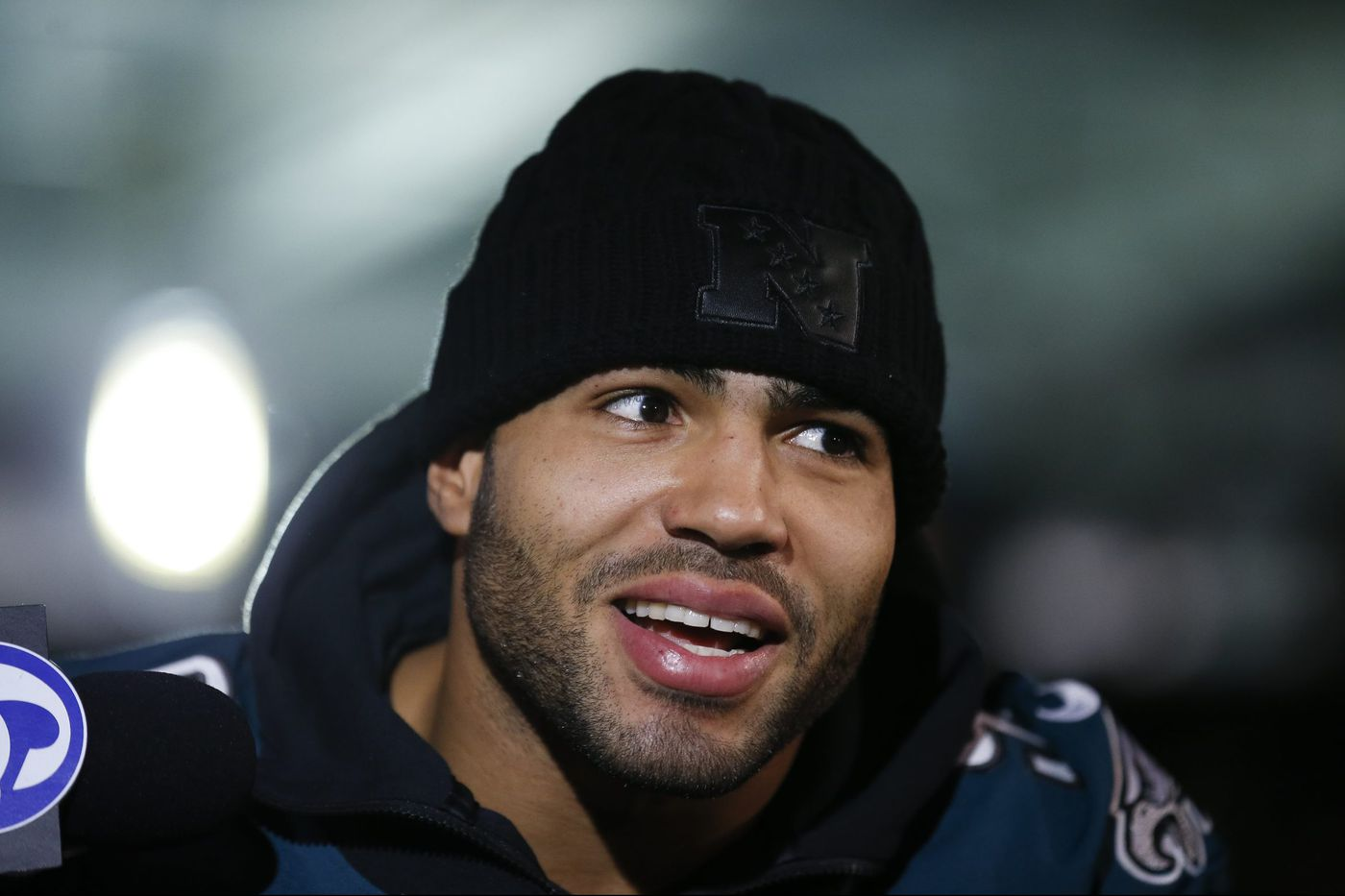 Feds charge ex-Eagle Mychal Kendricks and TV comedy writer with insider trading scheme