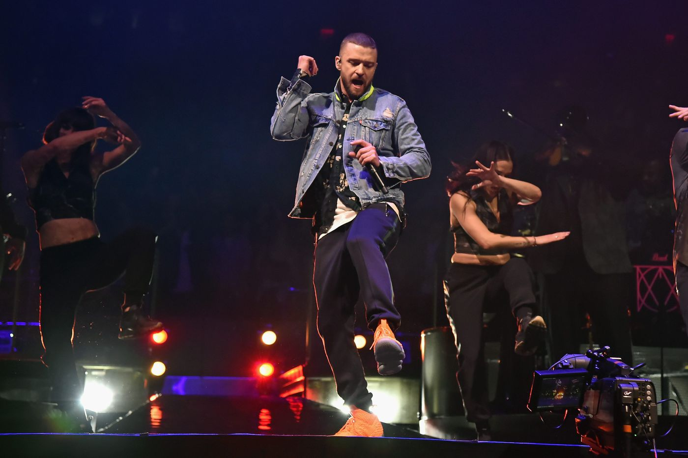 Justin Timberlake plays the hits (and 'The Fresh Prince' theme) at the Wells Fargo Center