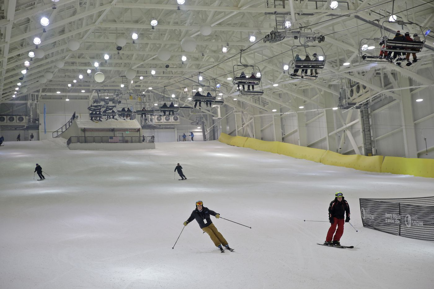 North America's first indoor ski slope opens in Meadowlands mega mall
