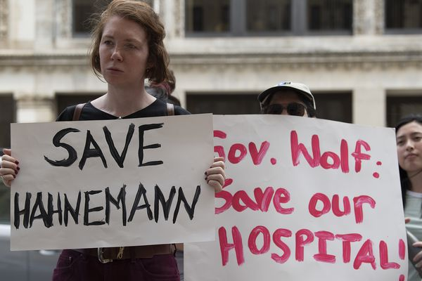 Patients, hospital staff, community groups rally to save Hahnemann