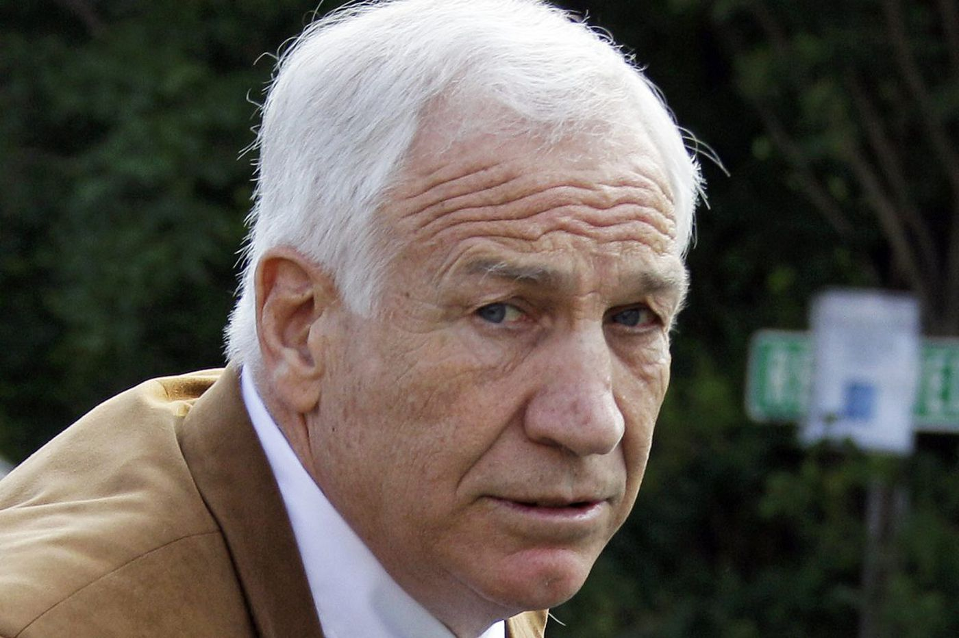 Penn State signals possible suit against Sandusky charity