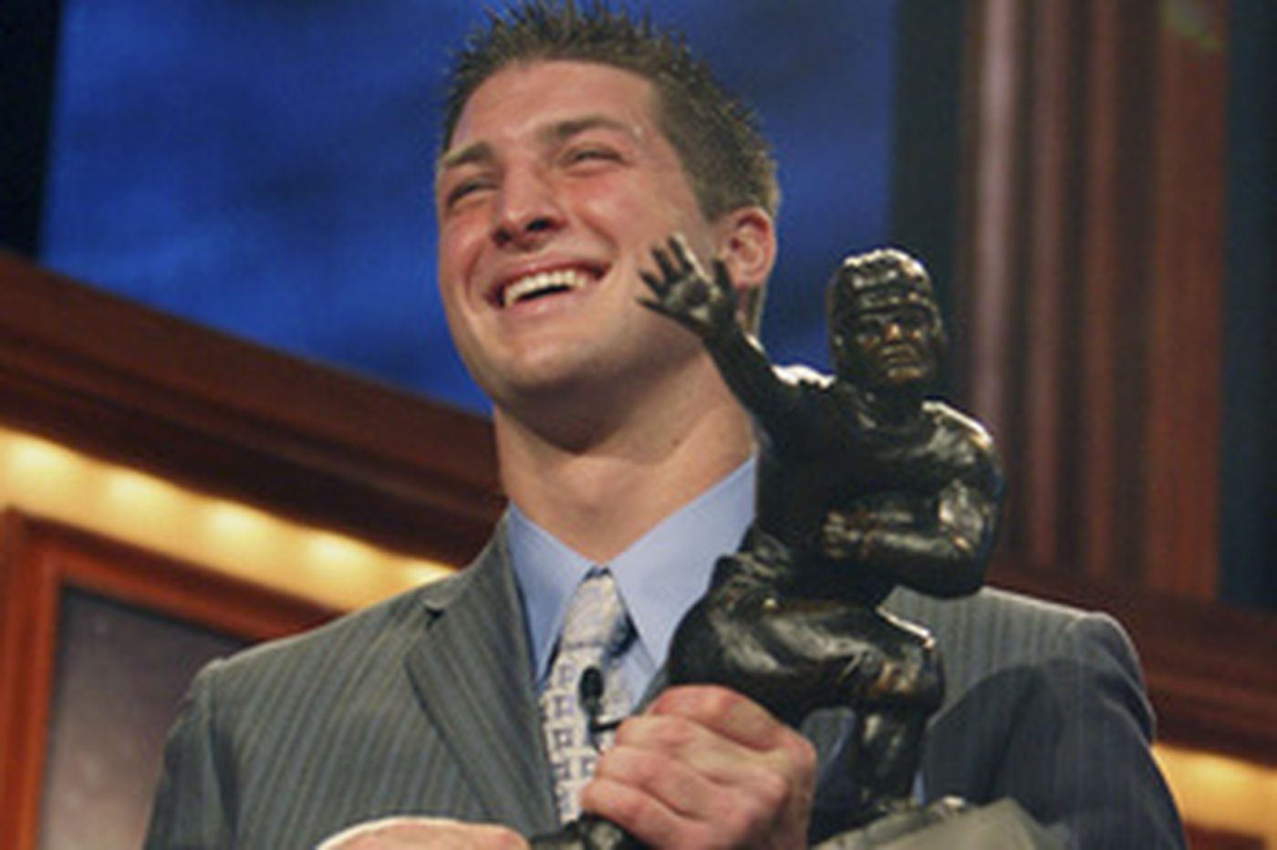 Florida QB Tebow takes home Heisman