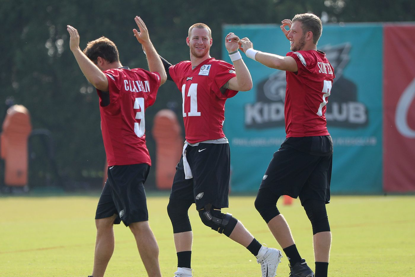 Eagles practice observations: Carson Wentz dazzles; Josh Adams gets a chance; Nate Sudfeld gets more reps