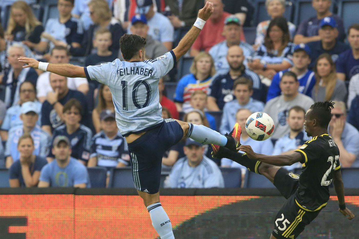 Sporting Kansas City trades Benny Feilhaber to LAFC