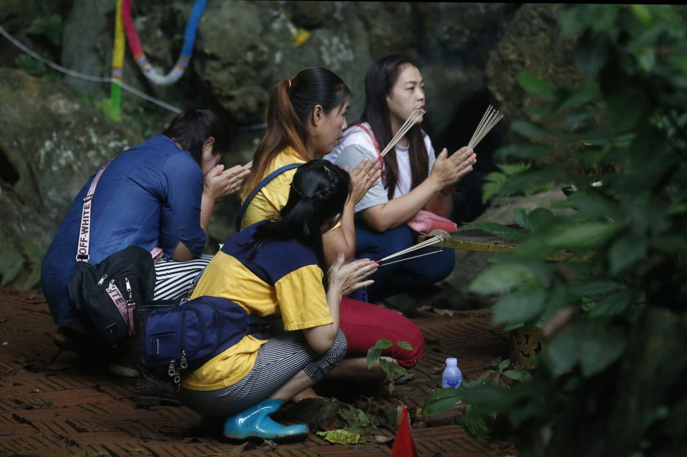 The world shows its love to kids in a Thai cave. We need that same love for kids at the border | Will Bunch