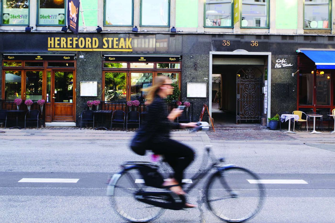 Strolling among the cyclists in Copenhagen
