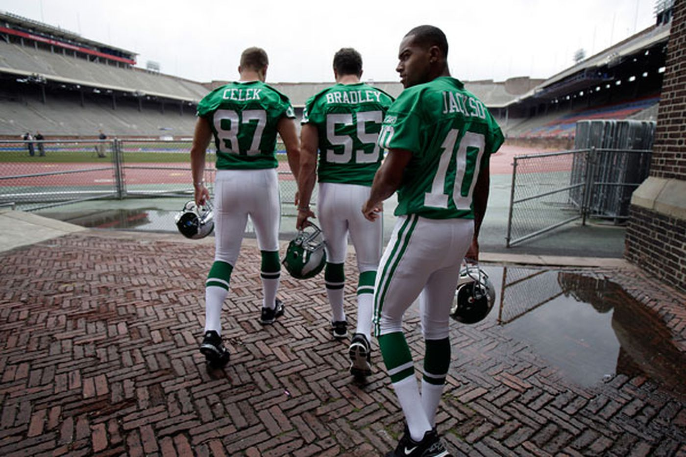 fb4f599ebf7 2010: Eagles going green with throwback jerseys for season opener