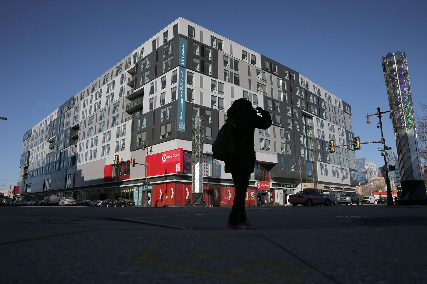 Philadelphia's new generation of mid-rise apartments come with every amenity except the one that counts   Inga Saffron