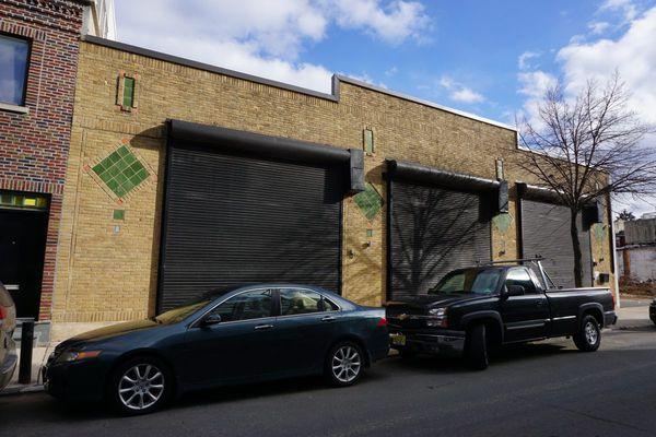 Bart Blatstein sells Northern Liberties office near his signature project