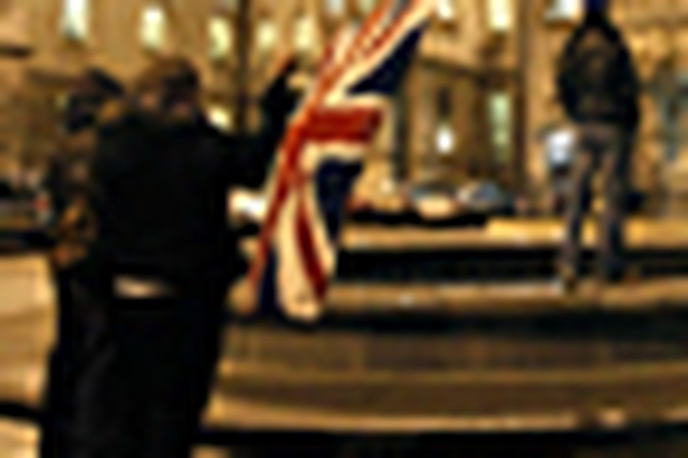 Protestants riot in N. Ireland