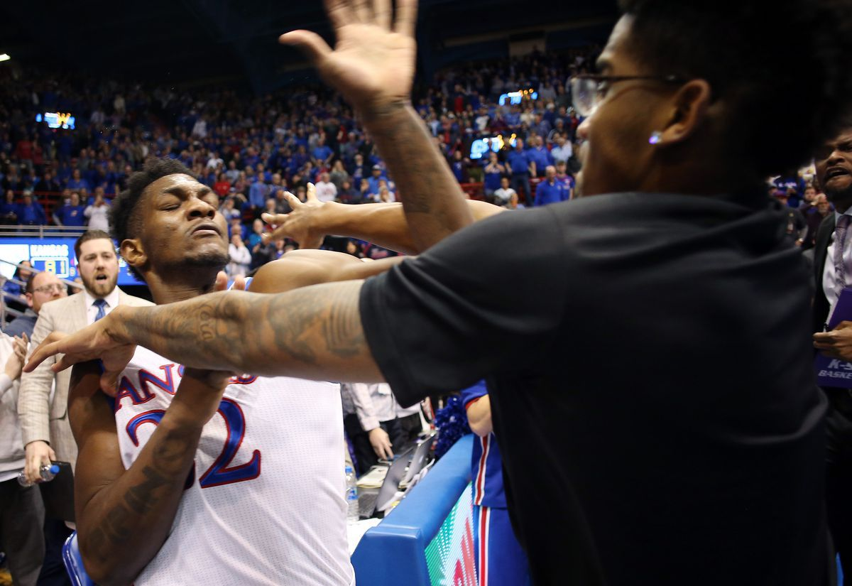 College basketball: It could be an unpredictable weekend, with 13 ranked teams playing on road