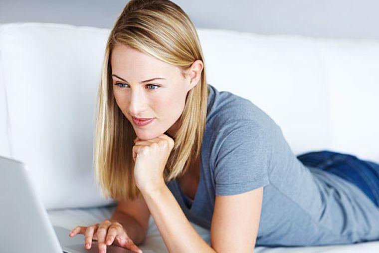 Teen Masturbates Watching Porn