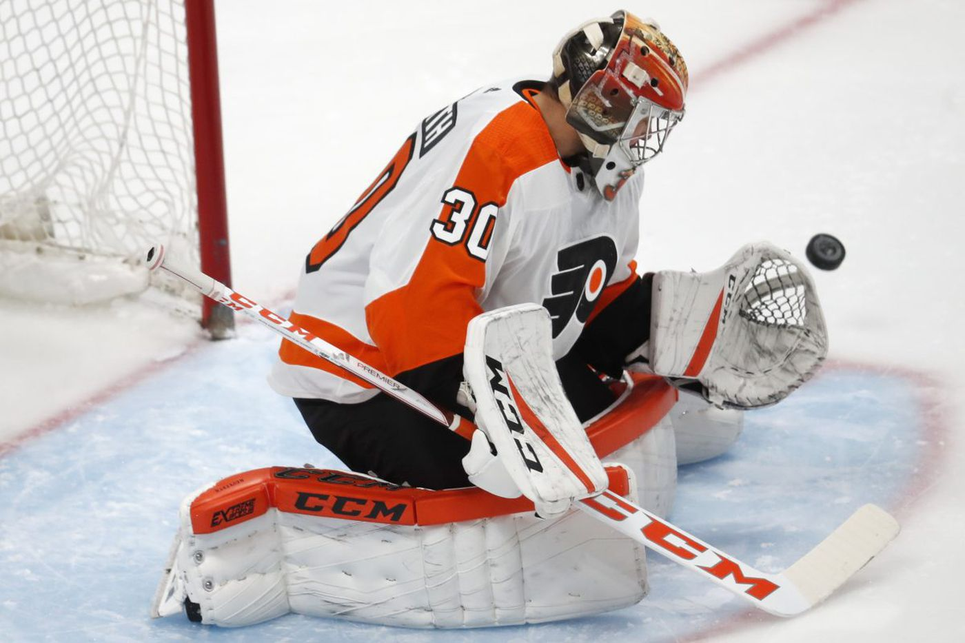 Gritty Flyers outlast Avalanche and gain room in playoff standings, but Michal Neuvirth leaves early